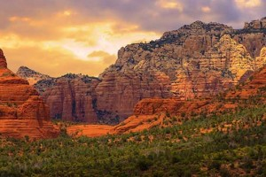 Wildland Trekking Hiking Tours :: Grab your boots and explore Sedona's 50,000 acres of wilderness! We offer day hikes, Inn-based tours, and multi-day backpacking trips year round! #wildiswaiting - let's go!